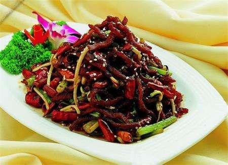 素干煸牛肉丝的做法及介绍---千米饮食网(www.kmysw.com)