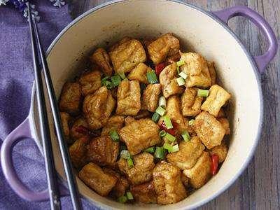 咸鱼鸡粒烧豆腐的做法及介绍---千米饮食网