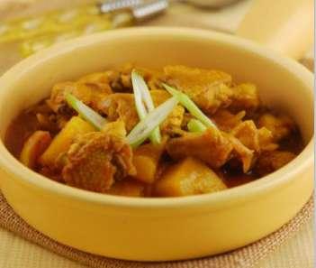 咖喱鸡的做法及介绍---千米饮食网(www.kmysw.com)