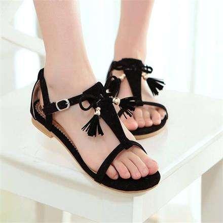 夏天穿凉鞋和拖鞋的注意