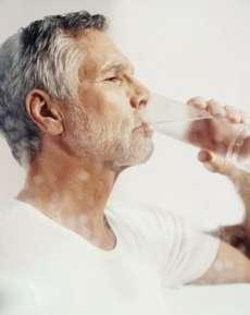 注意日常饮水就能保护肾吗?---千米饮食网