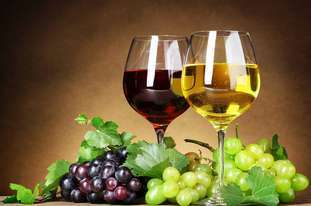 红酒和茶,哪个更养生?
