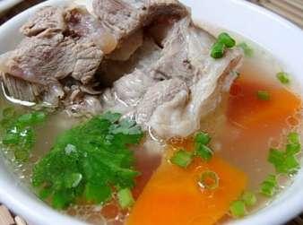 怎么熬骨头汤好喝?熬骨头汤的诀窍和技巧