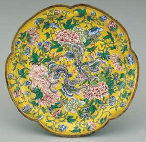 彩釉瓷器皿不宜盛放酸性,彩釉瓷器皿使用禁忌