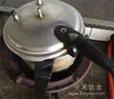 高压锅正确煮饺子的方法---千米饮食网