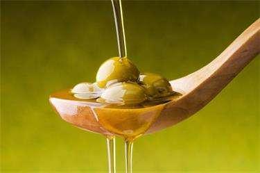 不只可以吃!橄榄油妙用知多少?---千米饮食网(www.kmysw.com)