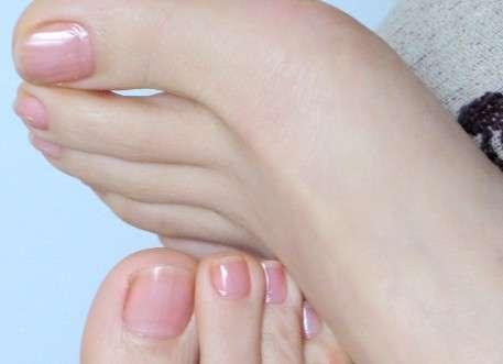 夏日如何护脚?