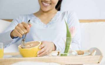 早孕反应如何食补比较好?---千米饮食网
