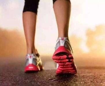 步行对身体的好处 对大脑的保护---千米饮食网