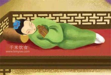 爱睡高枕的你 当心颈椎病---千米饮食网