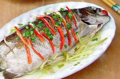 清蒸金鳟鱼的做法,清蒸金鳟鱼怎么做的?