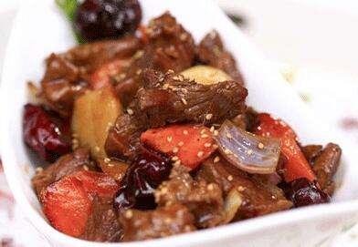 松辽美味土豆烧牛肉的做法及介绍
