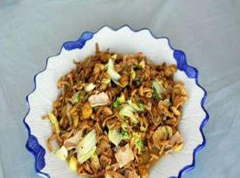 黄蘑素鸡的做法及介绍---千米饮食网(www.kmysw.com)