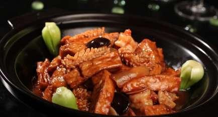 砂锅鱿鱼的做法,砂锅鱿鱼怎么做好吃