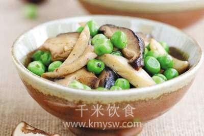 烩鲜蘑豌豆的做法及介绍