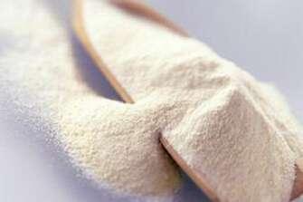 牛奶粉与羊奶粉,哪个比较适合小宝宝饮用?