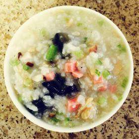 皮蛋鸡茸燕麦粥的做法及介绍