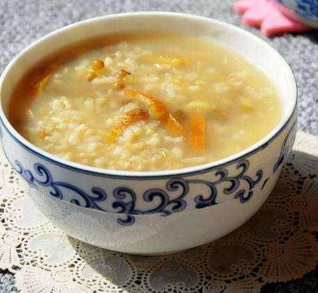 冬季保健养生最宜多喝热粥---千米饮食网