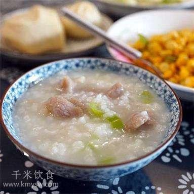 咸鱼肉片粥的做法及介绍---千米饮食网(www.kmysw.com)