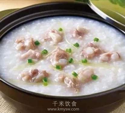 沙锅排骨粥的做法及介绍---千米饮食网(www.kmysw.com)