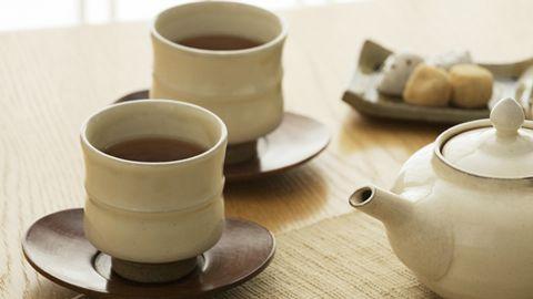 多数人不宜喝凉茶 消暑可饮食疗汤水---千米饮食网